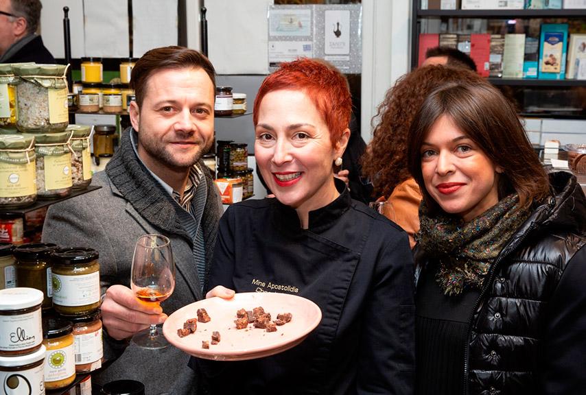 Βρυξέλλες – Θεσσαλονική: Κατάμεστο το Olicatessen στις γευσιγνωσίες της Μίνας Αποστολίδη